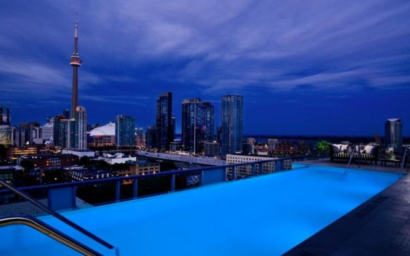 Top 15 Amazing Rooftop pools Around The World