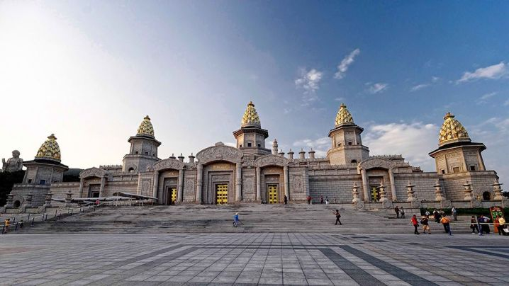 Buddhist palace