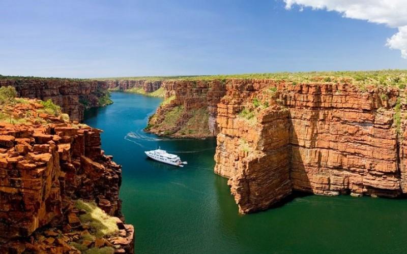 Top 21 reasons to visit Australia