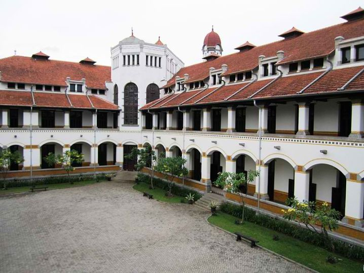 haunted stories of Lawang Sewu